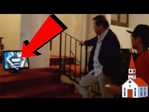 PLAYING VIDEO GAMES IN CHURCH! (PASTOR PLAYS CALL OF DUTY!)