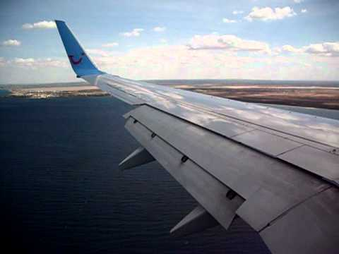 landing enfidha boeing 737-700 jetair from brussels.AVI