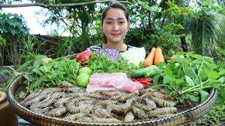 Yummy Shrimp Pork Salad Vegetable - Shrimp Pork Salad - Cooking With Sros
