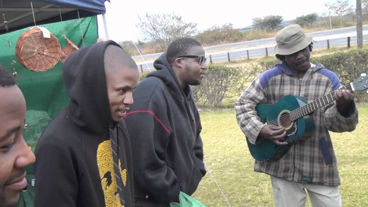 Jabba freestyle on roadside with street musician