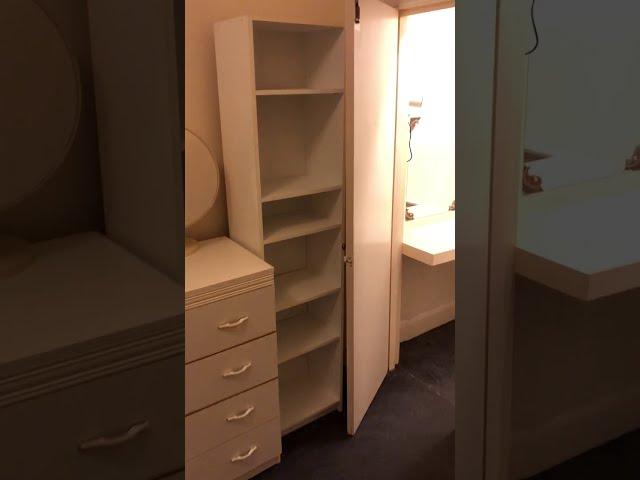Spacious one bedroom flat near Kensington Olympia Main Photo