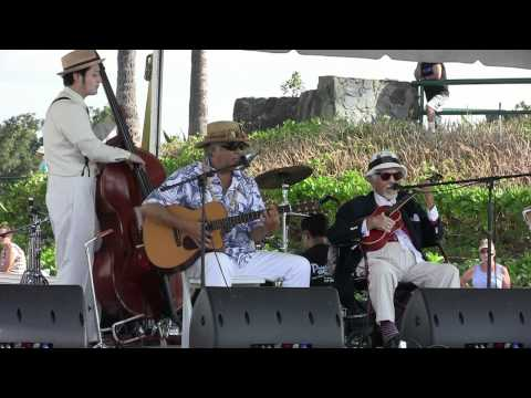 Bill Tapia at Ukulele Picnic in Hawaii 2011