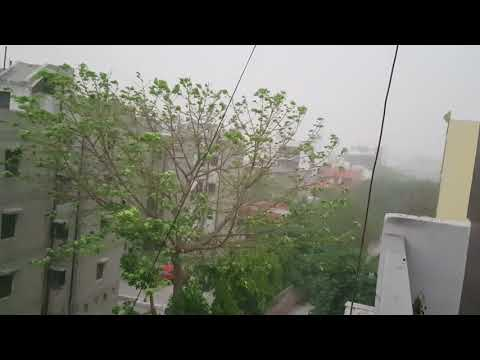 Stormy winds and lighting in Delhi