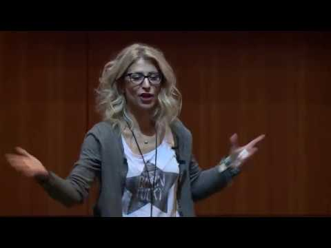 Insights Conference 2016 - Stavriana Kofteros - One Playbook 4 Scale