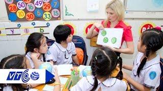 Dạy tiếng Trung, Nga từ lớp 3: Học sinh thành 'chuột bạch'? | VTC