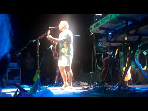 Jimmy Buffett - The Wino And I Know - Paris France 2009