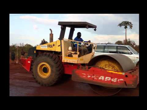 Building Roads in Mozambique   N11   July 2015