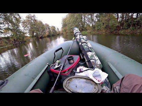 Ловля Щуки на маленькой красивой речке. Рыбалка осенью на спиннинг и жерлицы ( кружки ).