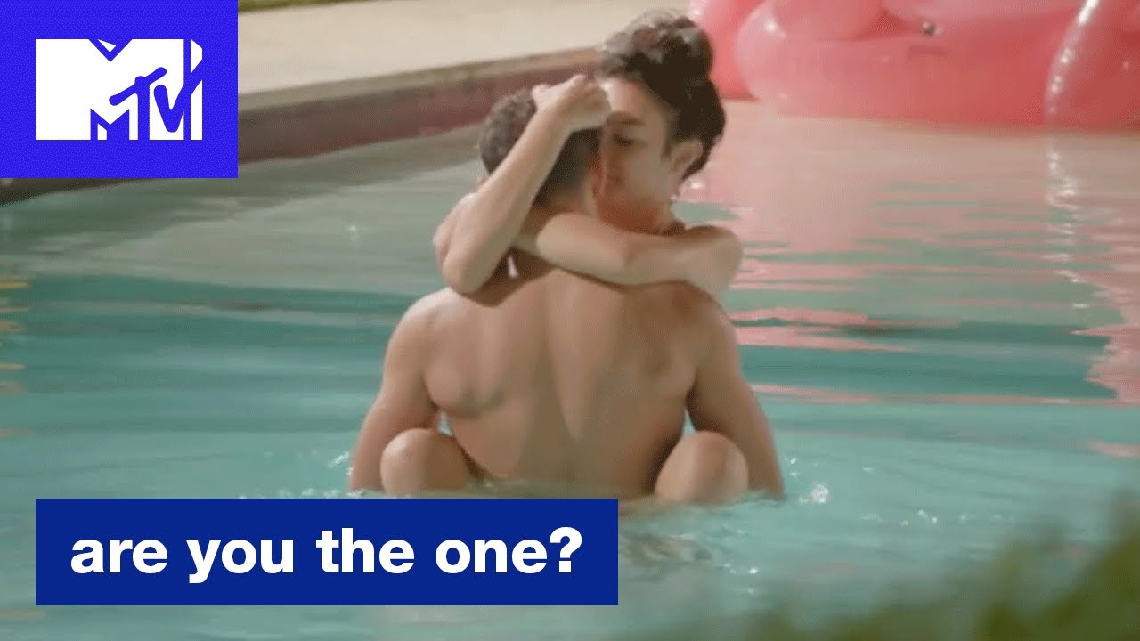 'Hannah And Ozzy's Spark' Official Sneak Peek | Are You The One? (Season 5) | MTV