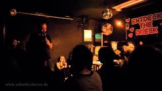 Stand-up im Grünen Jäger | Ausschnitt: Piero Masztalerz