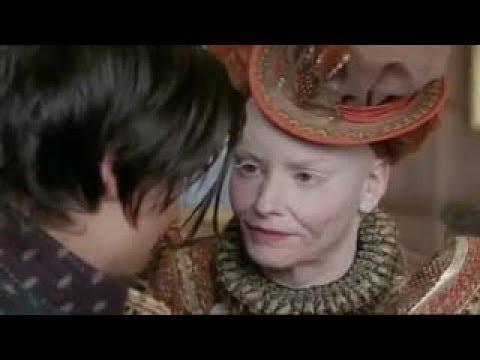 R elizabeth The Queen