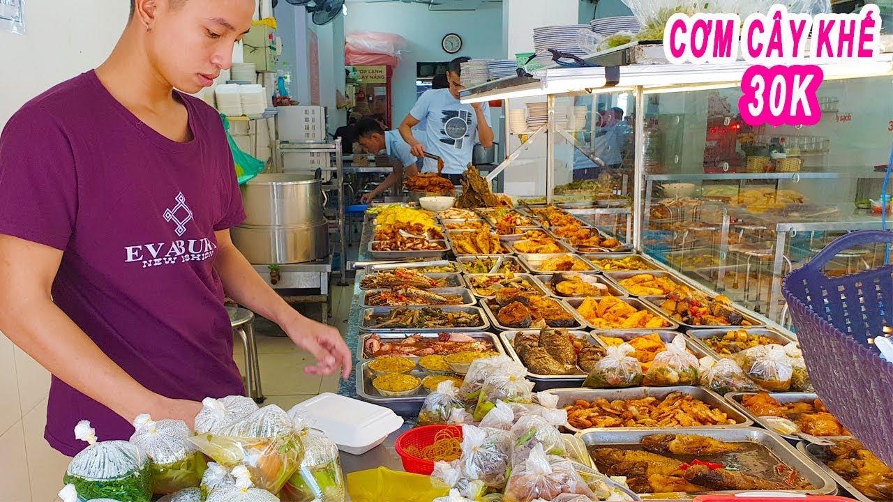 Phát hiện Quán Cơm Trưa Bình Dân mấy chục món ngon ở Sài Gòn