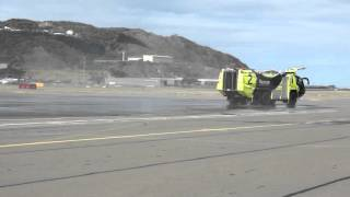 Wellington Airport Fire Rescue 2 squirting water | Medic1nz