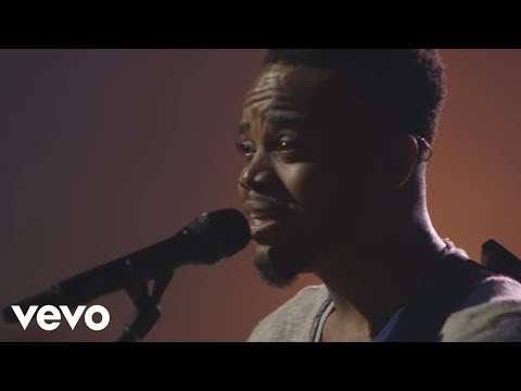 Travis Greene - Be Still (Live Music Video)