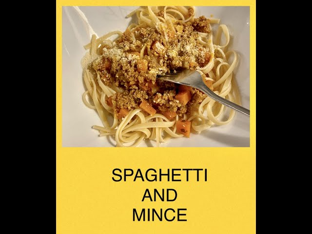 SPAGHETTI AND MINCE - MY WAY / Learn how to make simple Spaghetti and Mince / Something Different