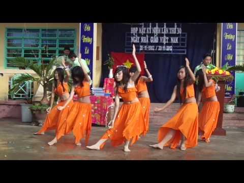 Múa Chào Mừng ngày 20/11 của lớp 8B