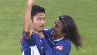 瀬沼 優司(山形)が右サイドからのクロスボールを頭で流し込み、試合開...