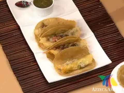 Rollitos de queso con bistec y nopales receta youtube for Cocinar nopal