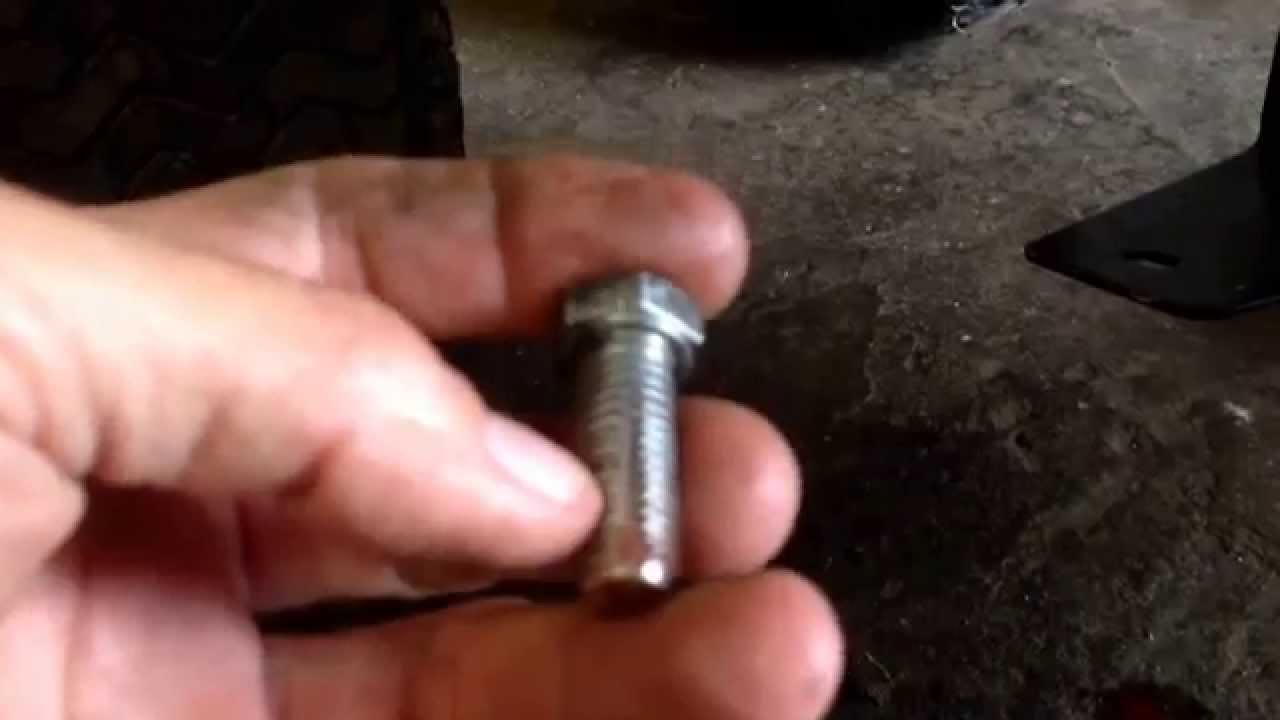 Inside thread cleaning quick tip Zip Tip!!