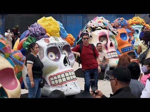 شاهد: مكسيكو سيتي تستعد لتنظيم استعراض يوم الموتى