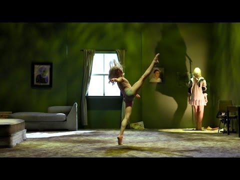 Sia Performs 'Chandelier' - YouTube