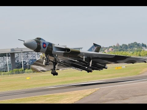 Vulcan XH558,   Farnborough Airshow 2014