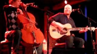 "Mike Doughty: ""Tremendous Brunettes"" live, 1/22/09"