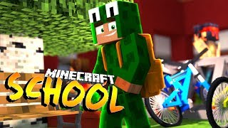 OUR FIRST DAY BACK AT SCHOOL - Minecraft School w/ Little Lizard