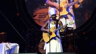 India.Arie - Blackbird (live at Curacao North Sea Jazz Festival 2012)
