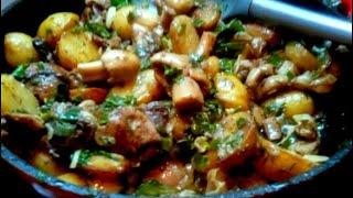 Как приготовить грибы с картошкой в сметане