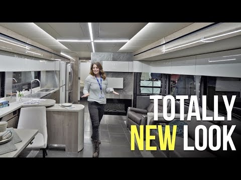 FIRST LOOK at Next Year's CLASS A & SUPER C RVs // RVIA Trade Show