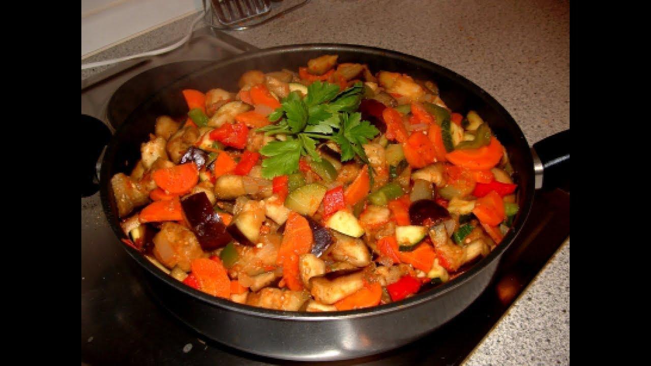 Овощное рагу с тыквой и кабачками