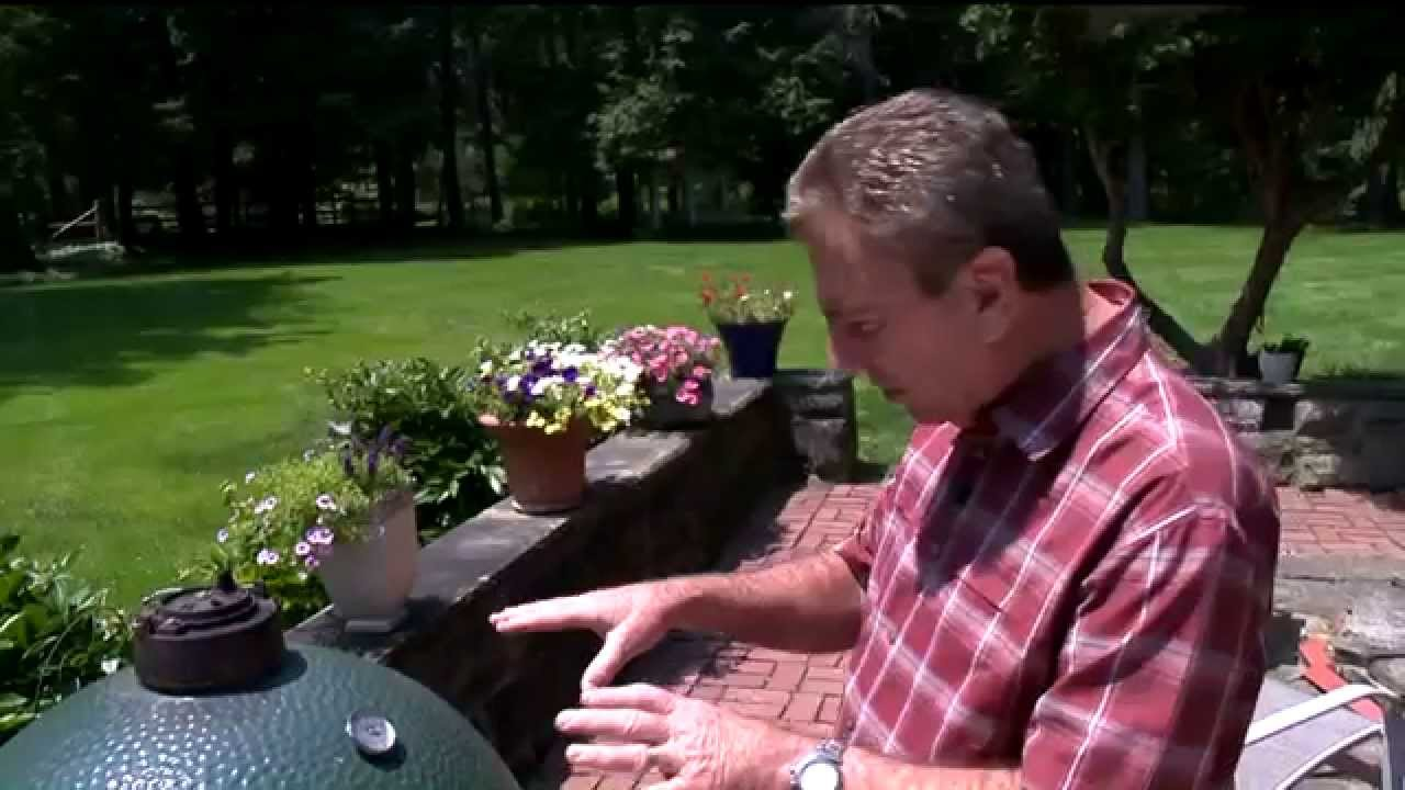 Beer Can Chicken on the Big Green Egg - YouTube