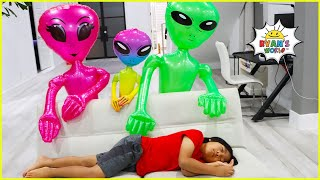 Ryan Pretend Play with Aliens Visits our House