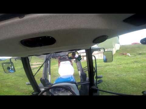 Round bale carting