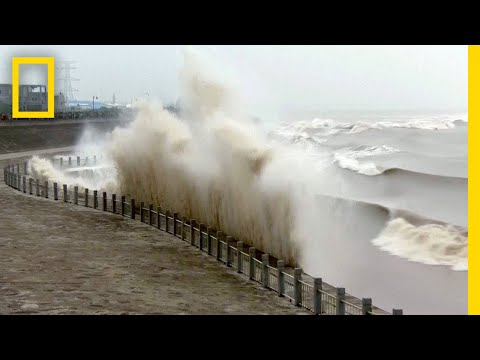 See How the Moon Causes Huge Waves on this River | National Geographic