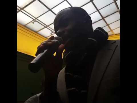Fally Ipupa face a la presse a Bruxelles