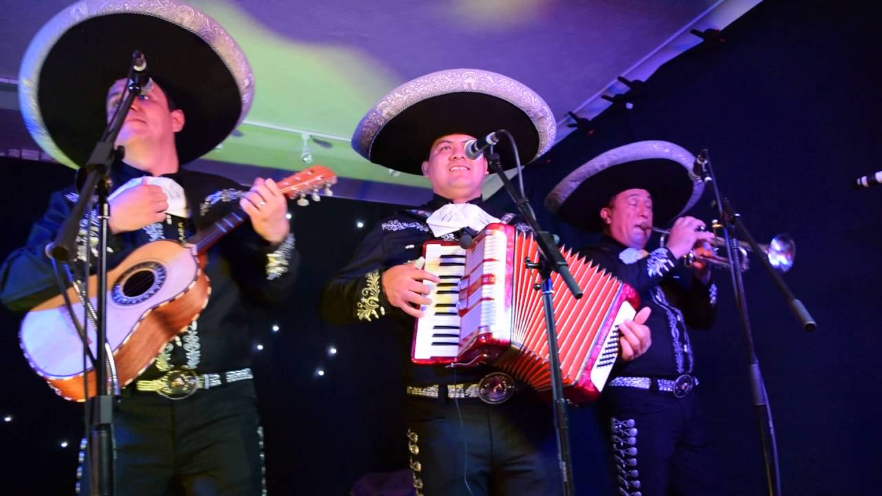the most famous mexican song la bamba played by the mariachis youtube. Black Bedroom Furniture Sets. Home Design Ideas