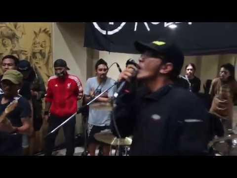Black Elvis - Food Not Bombs (Live) At