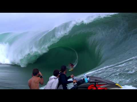 One on one surfing contest - Red Bull Cape Fear 2014
