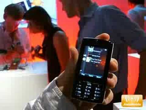 Sony Ericsson W960i in Action