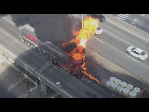 Montreal man attempts to save fellow truck driver from fire