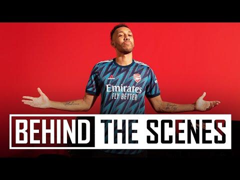 Behind the scenes at the 2021/22 adidas x Arsenal kit shoot