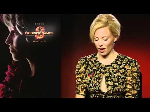 Hunger Games' Elizabeth Banks tells us she's a 'biter'!