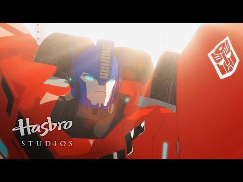 Transformers: Robots in Disguise - Meet Optimus Prime