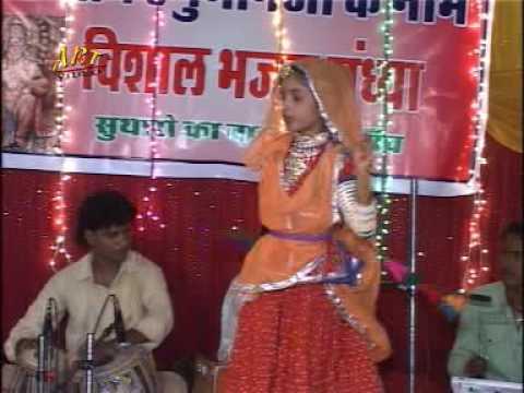 mahandra-goyal-live-bhajan- -thumak-thumak-ne-chale- -rajasthani-devotional-song-2017