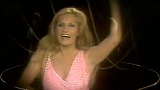Dalida - Laissez-moi danser (Monday, Tuesday)