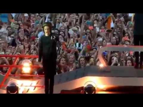 Harry Styles Cute Moments - Edinburgh, WWA June3 - Pt2