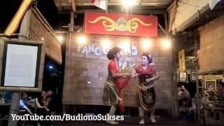 Download LUCU BANGET Tari Remo Mami Octa LUNTAS - Ludrukan di Warung Mbah Cokro