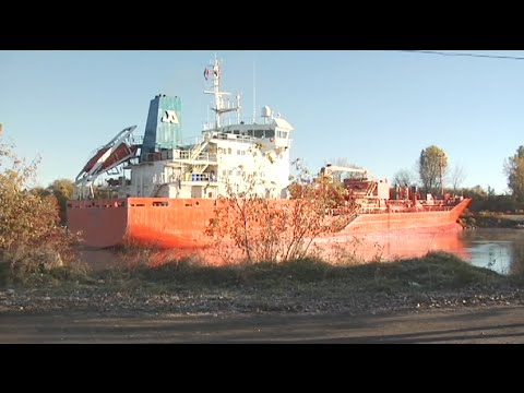 Ship stuck in the St. Lawrence Seaway